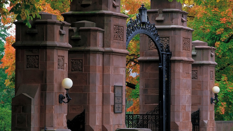 Mount Holyoke College soon to see $96,000 annually from 2015 energy services agreement